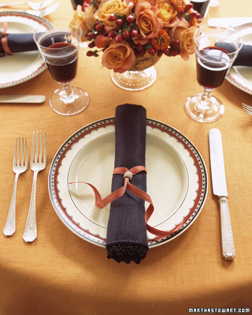 naturally lovely thanksgiving table ideas from martha. Black Bedroom Furniture Sets. Home Design Ideas