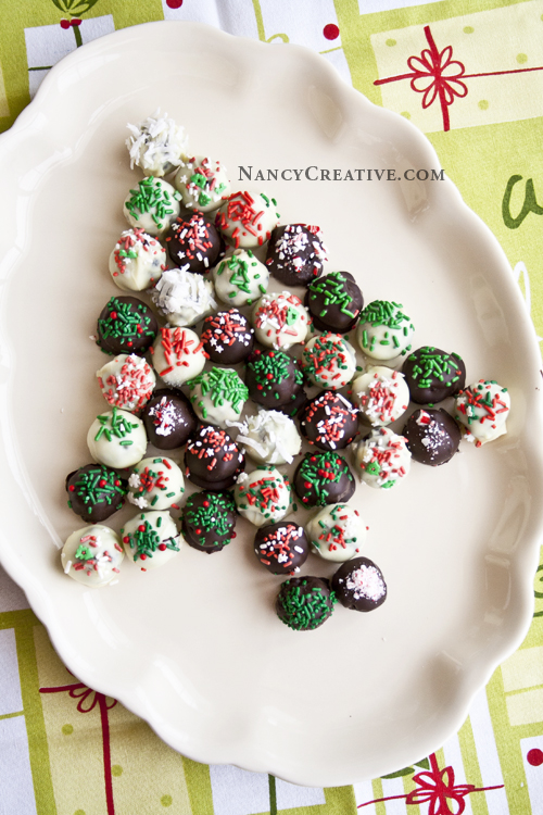 OREO HOLIDAY CHOCOLATE CHIP COOKIE BALLS by NancyCreative, slightly ...