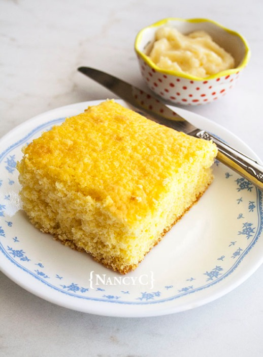 The Easiest Sweet Cornbread