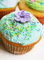 Spring Flower Cupcakes @ NancyC