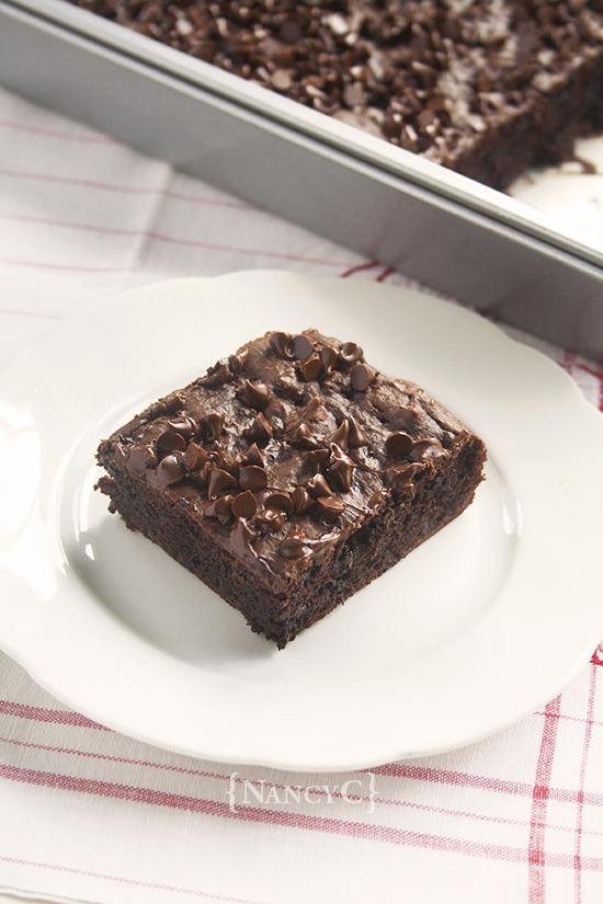 Chocolate Pudding Snack Cake